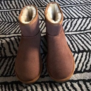 Shoes - Ugg boots 9